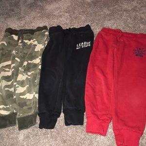 Super cute BUNDLE OF 3 Boy Sweatpants size 5-6
